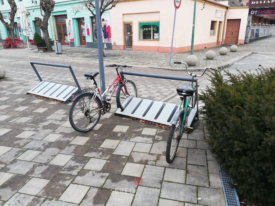 Zamykanie bicykla o rám